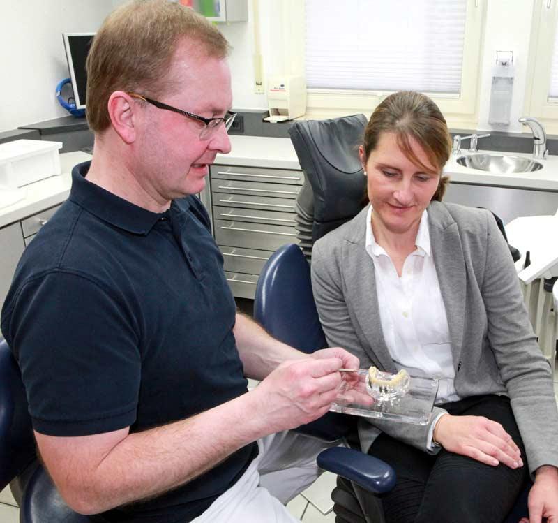 Zahnersatz, Kronen, Brücken, Implantate